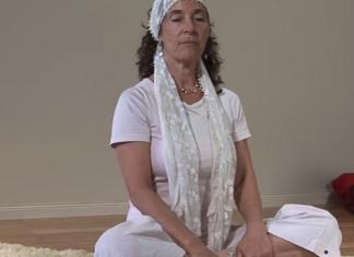 4 Yoga Poses for Rheumatoid Arthritis